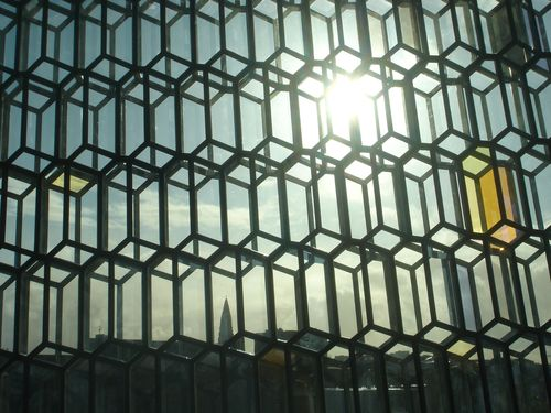 Around Harpa 8